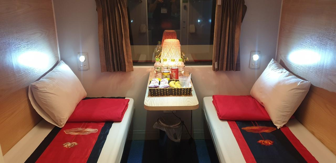 Lotus Train Express route Hanoi - Hue - Da Nang