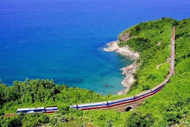 Đèo Hải Vân, ranh giới hai tỉnh Huế - Đà Nẵng
