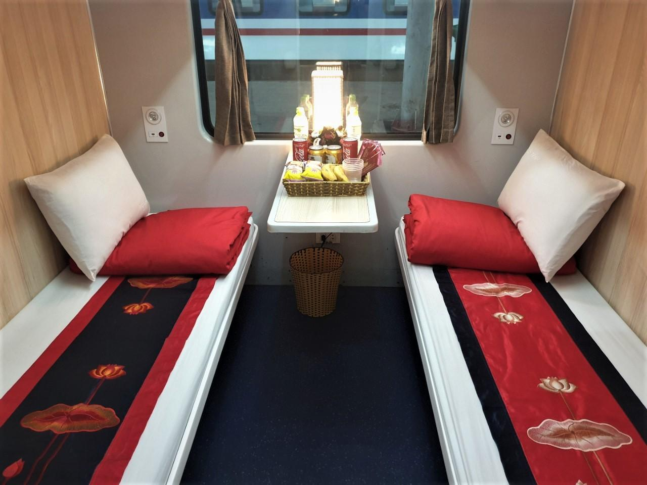 Hà Nội – Huế  (20h00 – 09h30) (Deluxe 4 Berths Cabin, One Way)